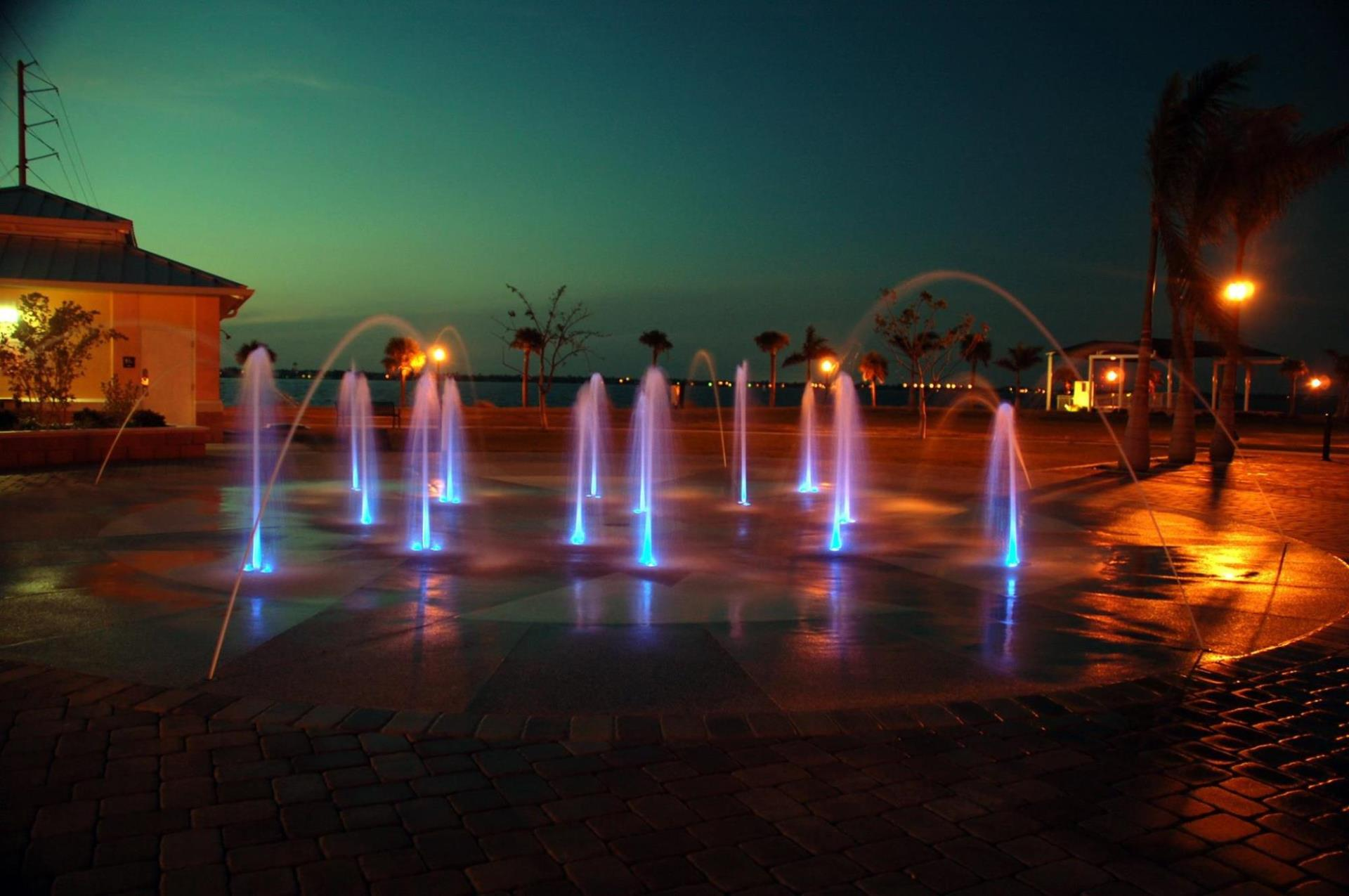 Laishley Fountain at night