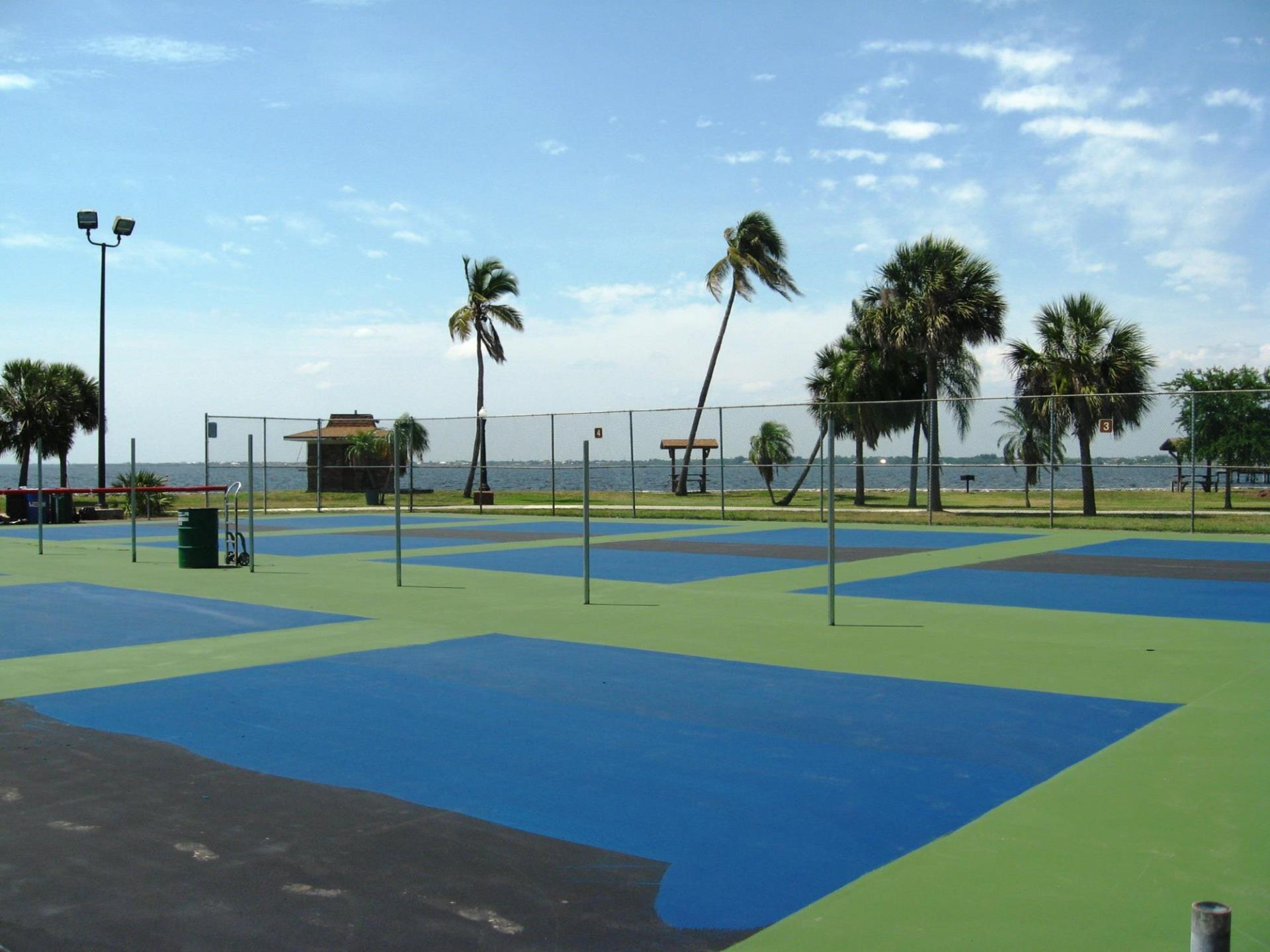 pickleball courts in gilchrist park next to water
