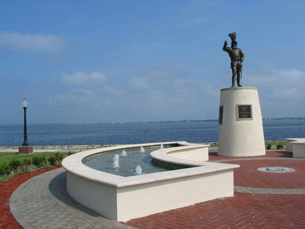gilchrist ponce statue with fountain along the harbor