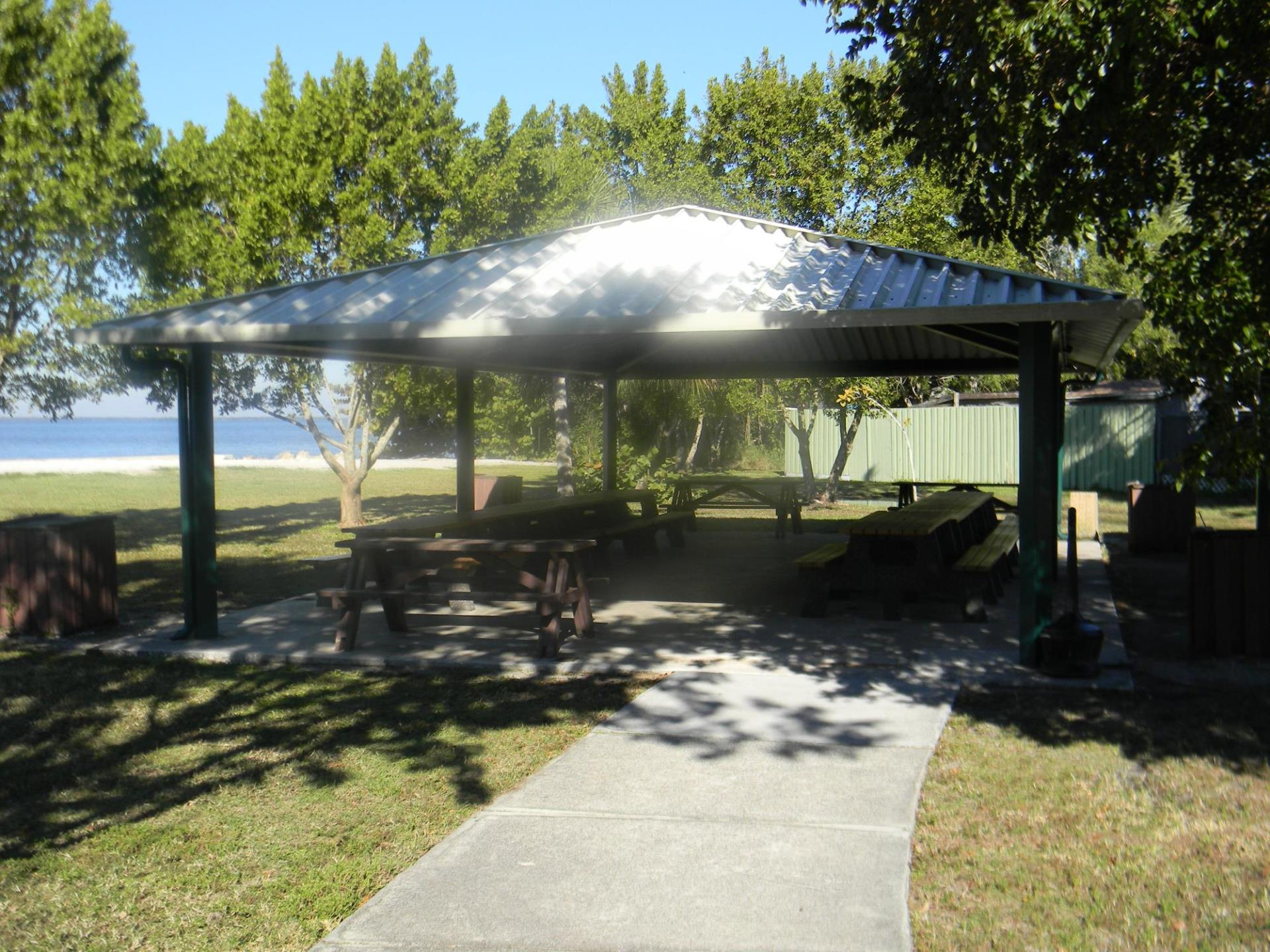 Picnic area in Ponce Park