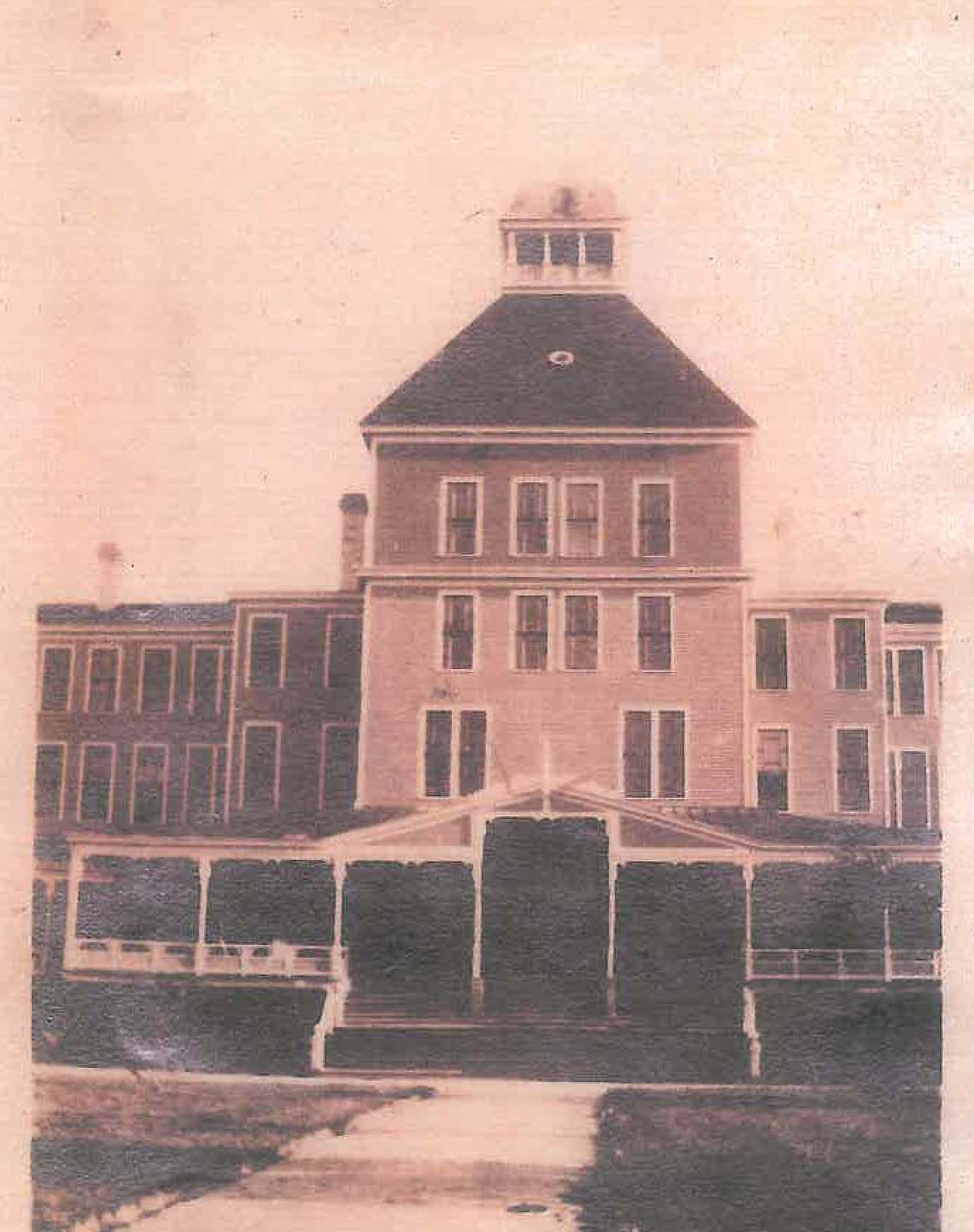 Hotel Punta Gorda early circa 1900s