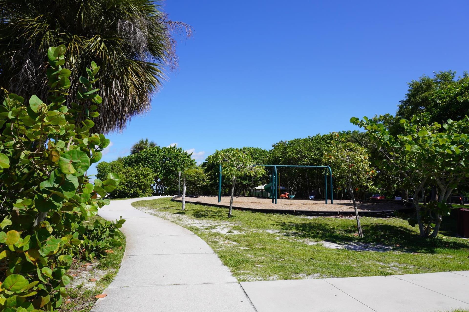 Ponce Park Playground